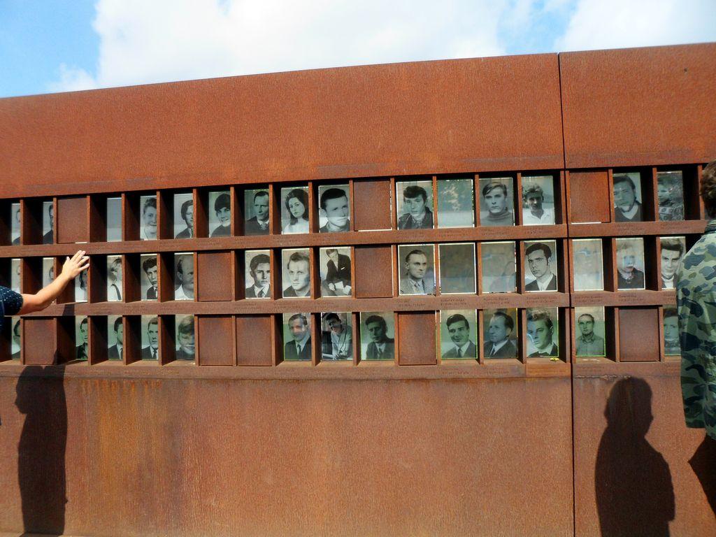 Окно памяти. Берлинская стена