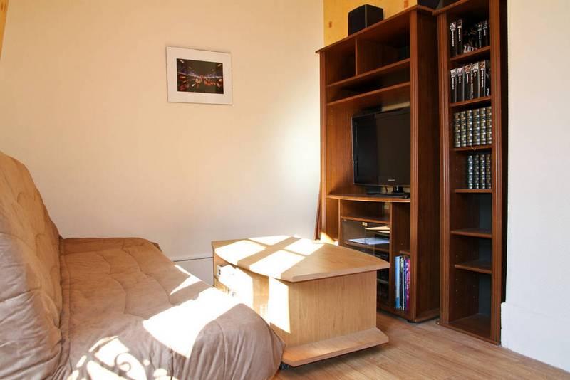 Мебель и техника в Парижской квартире