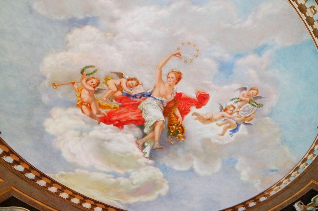Расписной потолок в Мраморном зале